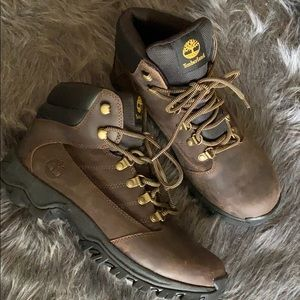 Timberland Men's brown lace up boots size 8